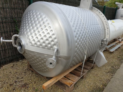 Small reactor of 1500 litres